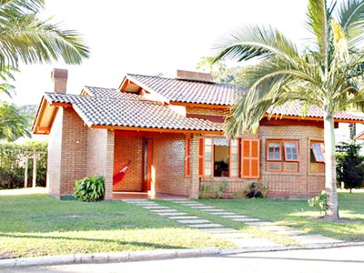 Photo for 2 bedroom house, pool, barbecue and maid!