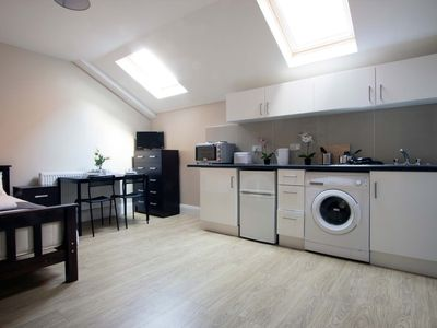 Photo for Spacious Private Studio with kitchen & bath #MR3