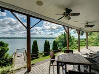 Fantastic location and perfect vacation home