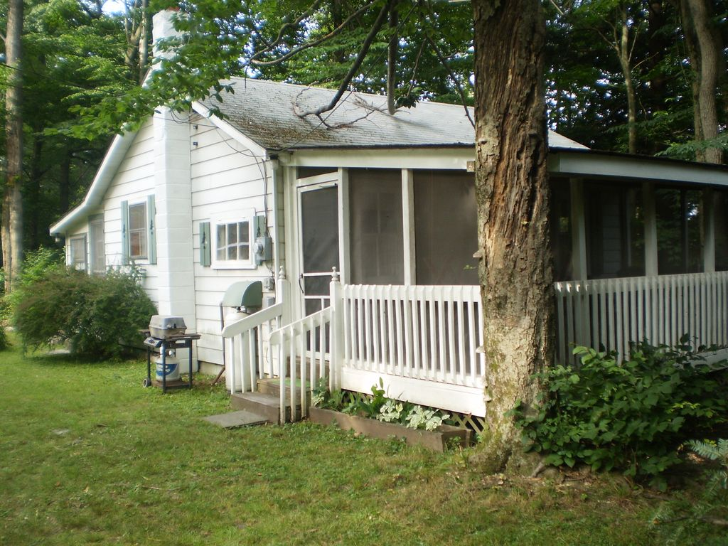 to cabins img a listings find and our browse stay poconos places cabin in condos the visit website rental condo cottages