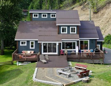 Photo for Luxury Lakefront Home on Otter Lake