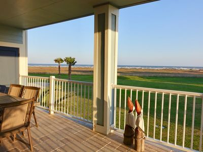Photo for Enjoy your vacation at Beach Front Beauty! Family and Pet friendly!