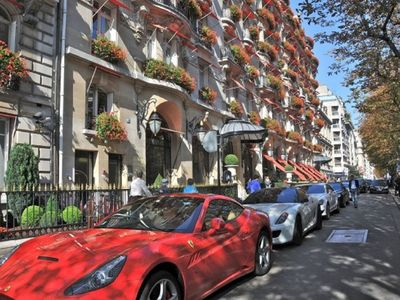 Photo for 339M2 TOP NOTCH LUXURY CHAMPS ELYSEE &MONTAIGNE & GEORGE V AVENUES