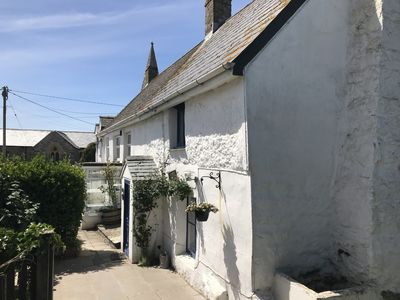 Photo for Cosy Cornish Cottage Close to Holywell Bay