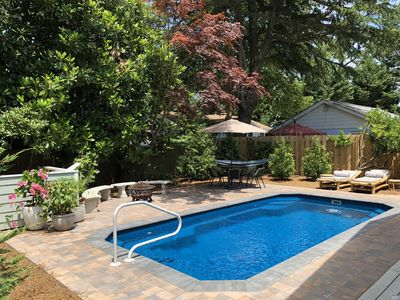 Charming, 5BR, heated pool, firepit, pet friendly.