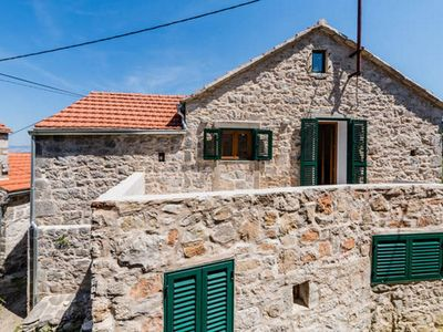 Photo for Apartment in Dol (Hvar), capacity 4+0
