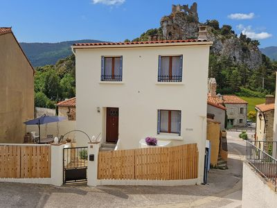 Photo for Quaint Holiday Home in Languedoc-Roussillon with Garden