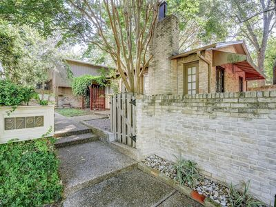 Photo for 1BR Superb Tarrytown Townhouse Close to Lake Austin, Sleeps 4
