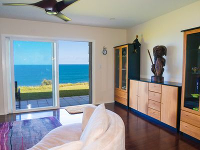 Photo for Ali'i Kai 5102 - Oceanfront 1br/2ba, recently remodeled and upgraded - Perfect for Romantic Getaway