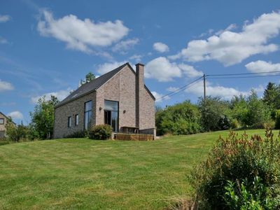 New house for 8 to 10 persons located in Moressée (Somme-Leuze), with marvellous landscape. Recognit