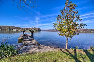 Spend your days on Tennessee River and Watts Bar Lake.