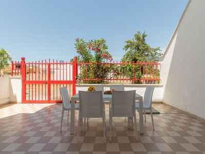 Photo for House with garden courtyard in Torre Lapillo, Internet, central area