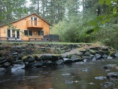 Photo for Waterfront cabin w/hot tub, fireplace, WiFi, pool table & BBQ. Family-friendly.