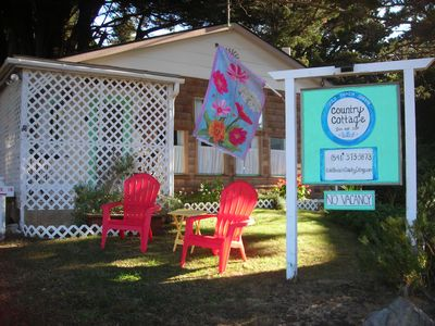 Photo for Gold Beach Country Cottage/pet friendly river view