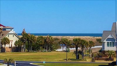 Photo for OCEANVIEW, TOP FLOOR, SPA-LIKE PARADISE! POOL/JACUZZI. STEPS FROM BEACH!