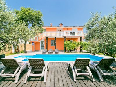Photo for This 5-bedroom villa for up to 8 guests is located in Pula and has a private swimming pool, air-cond