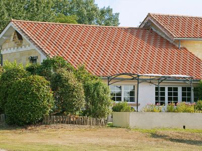 Photo for Come relax on a Bordeaux family vineyard in this charming bright holiday house