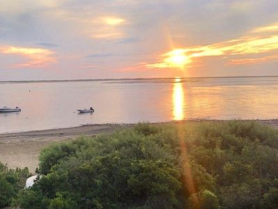 Right on the Beach in North Chatham, Sleeps 10; 229-C