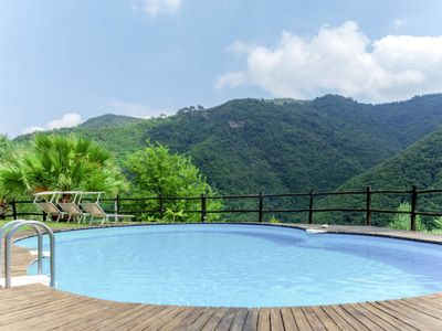 Photo for 3 bedroom Apartment, sleeps 10 with Pool, FREE WiFi and Walk to Shops