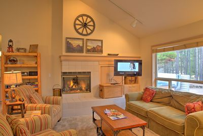 Living Room w/Gas Fireplace