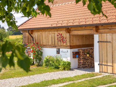 Photo for Exceptional apartment between Munich and Salzburg, with garden, quiet location
