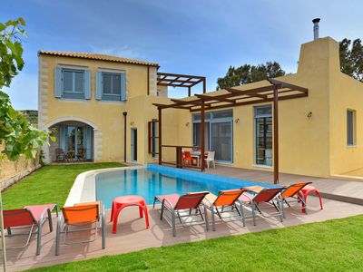 Photo for A beautiful villa with private pool, just 30m from the sandy beach