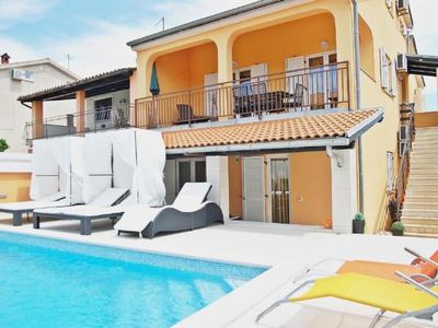 Photo for Holiday house Banjole for 10 - 13 persons with 7 bedrooms - Holiday house