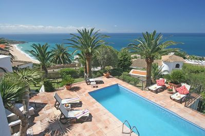 Pool, garden, beach and views!