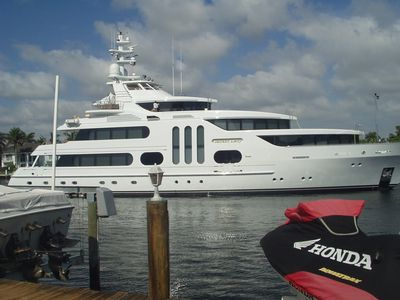 Photo for Intracoastal -Waterway-Oasis-Daily Yacht Parade-Steps to Ocean -Pet Friendly