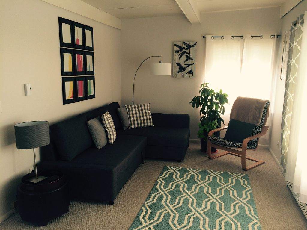Private Stand Alone Apartment 2 Blocks From Greenlake