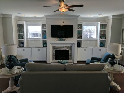 Great room with Smart TV, DVD, HD Cable, Stereo Receiver, Surround sound
