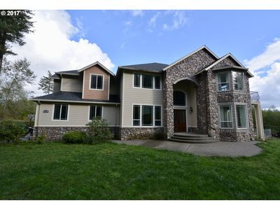 Photo for Huge home on 10 acres with Hot tub/Sauna & Privacy