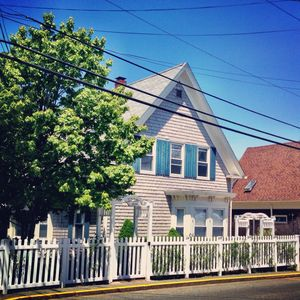 Photo for Sunny Upper 2 Bed, 2 Bath Next to Ptown Bikes & Mussel Beach Gym