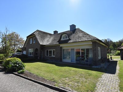 Photo for Holiday home with vast views and outdoor fireplace in Ambt Delden