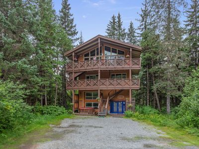 Photo for NEW LISTING! Spacious home with private hot tub, 2 kitchens, ski slope views