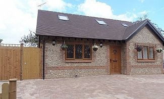 Photo for 3 Bedroom Cottage With Garden And Off Road Parking