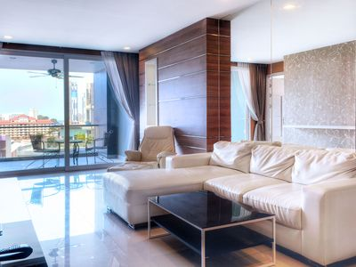 Photo for Best in the center of Pattaya luxury Suite 114 sq.m. Hall, 3 bedrooms, 3 toilets