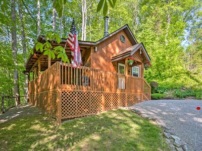 Photo for HONEYMOON  CABIN 37% OFF HOT TUB  WIFI, FIRE PIT, ~A/C~ CREEK, 2 MIN TO MAGGIE.