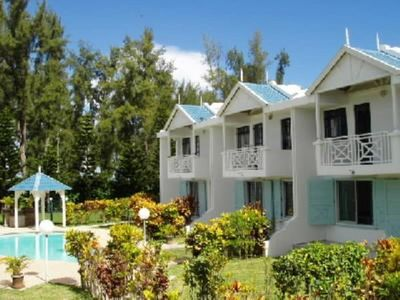 Photo for Flic En Flac: bungalow - 5 rooms - 5/7 persons High standard property