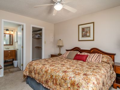 Fully Furnished, TV, Roku & Internet. Just Bring Your Suitcase
