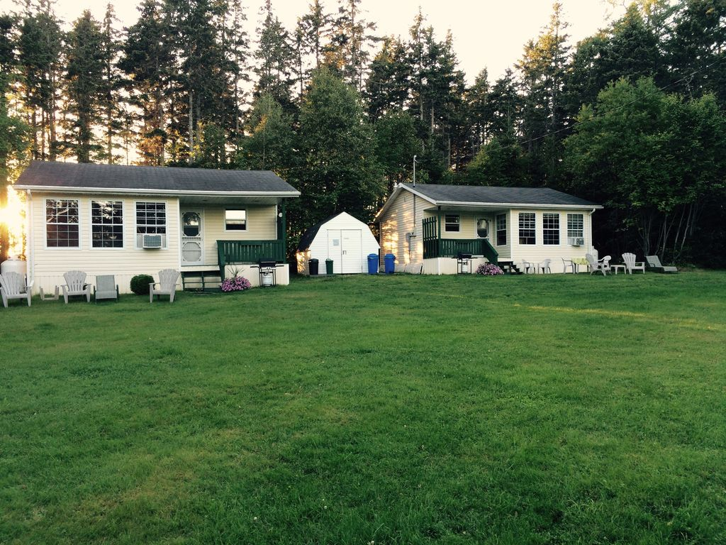 Riverside family friendly cottages in a fantastic location for Family cottages