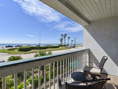 Photo for Excellent FULL OCEAN VIEW! multiple pools and BBQ grill-over $100 in FREE ACTIVITIES including a ticket for Schlitterbahn Waterpark per day. Concierge services available.