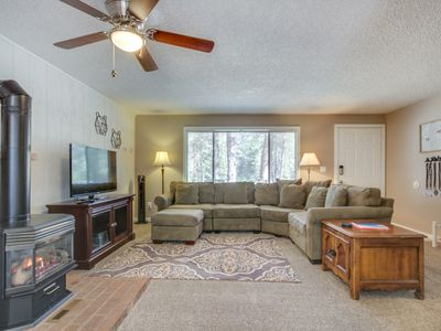 Photo for Comfortable house w/private hot tub, pool, deck & fireplace - free SHARC passes!