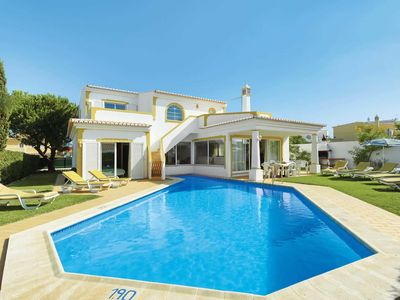 Photo for 4 bedroom Villa, sleeps 8 in Galé with Pool and WiFi