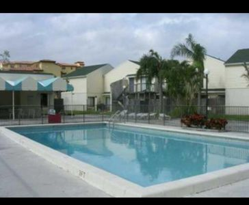 Photo for One Bedroom Gated community, close to Beach, City Place, stores ,restaurants.