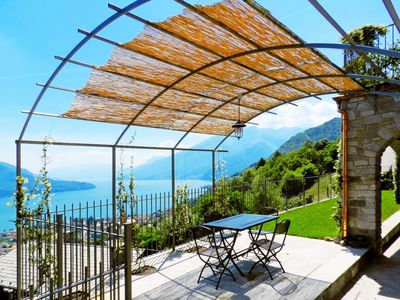 Photo for Villa for relaxing holidays with magnificent views of Lake Como