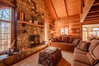 Big Rock Lodge Gas Log fireplace in main living area