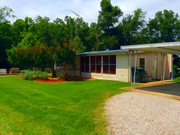Stay at the Best on Reelfoot Lake at the Bayou Bungalow