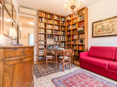 Photo for Charming & Romantic Apartment in the Heart of Venice