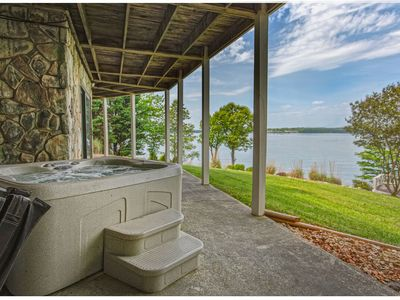 Photo for Ancora Point, spacious,waterfront home, stunning sunsets, 2 kayaks